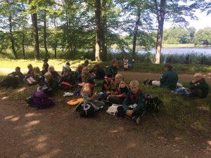 Frokost i skoven på hiken
