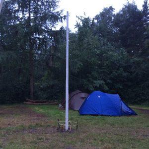 Fredag morgen var flagstangen blevet meget høj