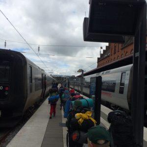 På vej til kystbanetoget i Helsingør