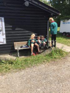 Hygge på bænken